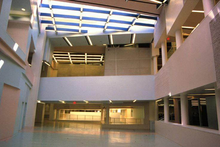 Peter Eisenman Aronoff Center For Design And Art Cincinnati Usa 1988 96 Deconstructivism