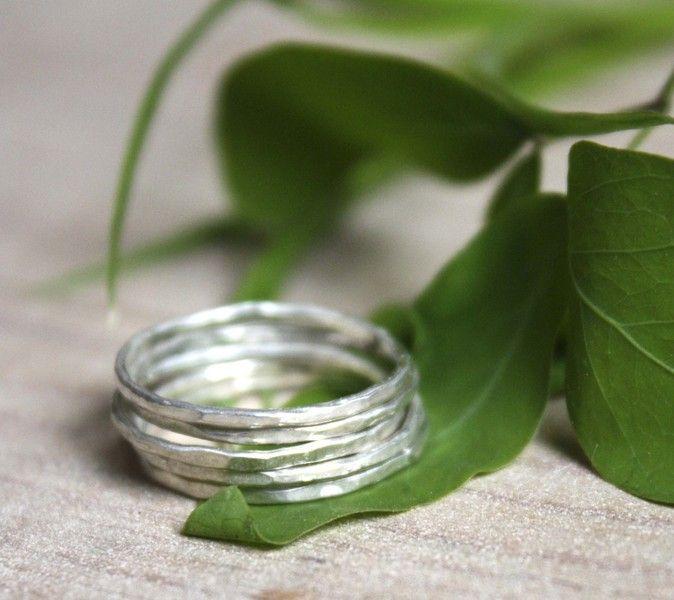 Metalen+plantaardige+gehamerd+zilveren+ringen+van+Emmanuelle+Guyon+op+DaWanda.com