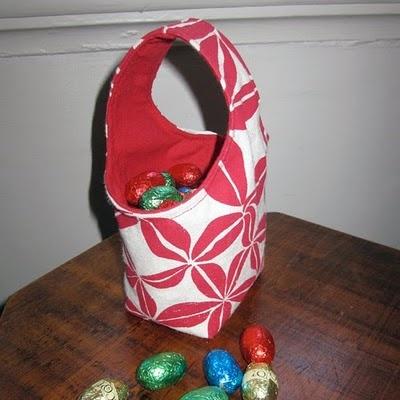 Mini basket of mandje om eieren te rapen.