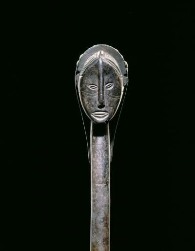 Object type : club Place of collecting : Angola > Benguela Culture : Ovimbundu Date of acquisition : 1967-12-29