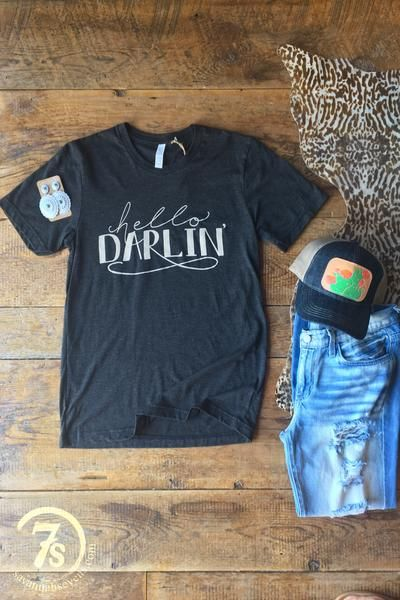 "The Hello Darlin' - ""Hello Darlin'"" graphic t-shirt. Charcoal tri-blend with ivory graphic. Super soft lightweight. Unisex.Fits true to size."