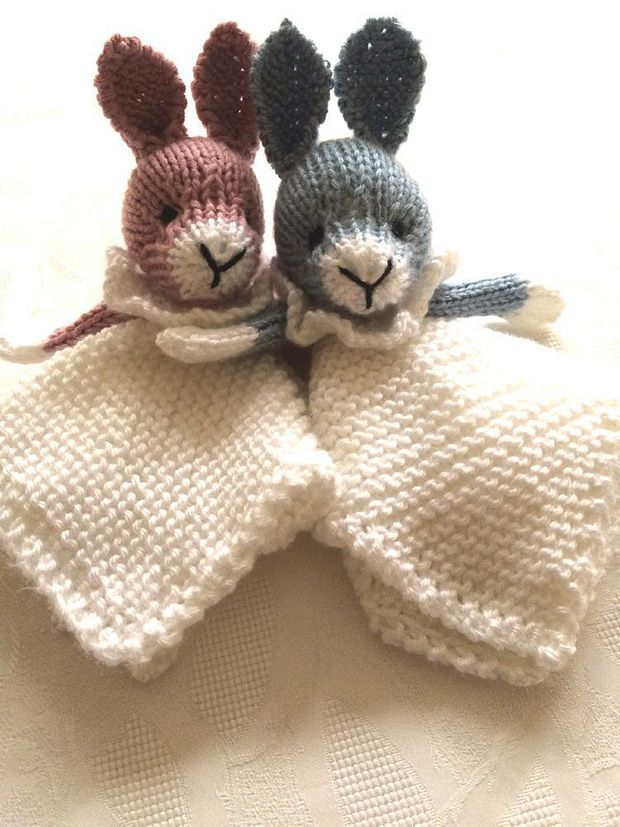 Free Easter knitting patterns: Bunny Mini Cuddly Blankie by Gypsycream, download on LoveKnitting