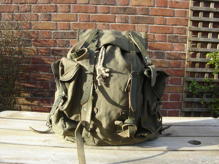 Sac à dos. Backpack. Randonnées. Rucksack. Sac militaire.