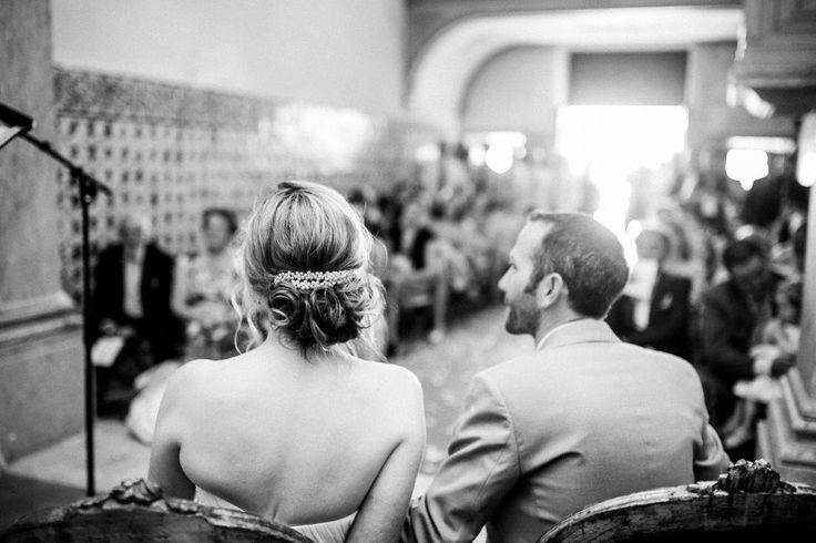 Vintage wedding ceremony at our lovely chapel - www.myvintageweddingportuga.com | #weddinginportugal #vintageweddinginportugal #vintagewedding #portugalwedding #myvintageweddinginportugal #rusticwedding #rusticweddinginportugal #thequinta #weddinginsintra #summerweddinginportugal