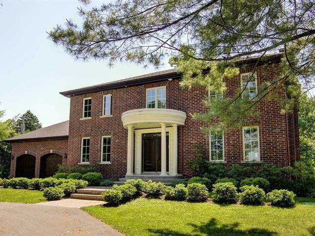 NOUVEAUTÉ SUR LE MARCHÉ ! Majestueuse maison de style colonial sur un immense terrain à Laval-sur-le-Lac, 1 498 000 $