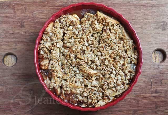 Gluten-Free Pear and Apple Crisp Recipe ~ http://jeanetteshealthyliving.com