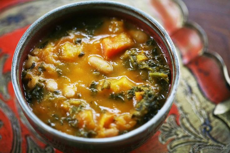Soup ~ A hearty winter soup recipe with kale, white beans, and roasted ...