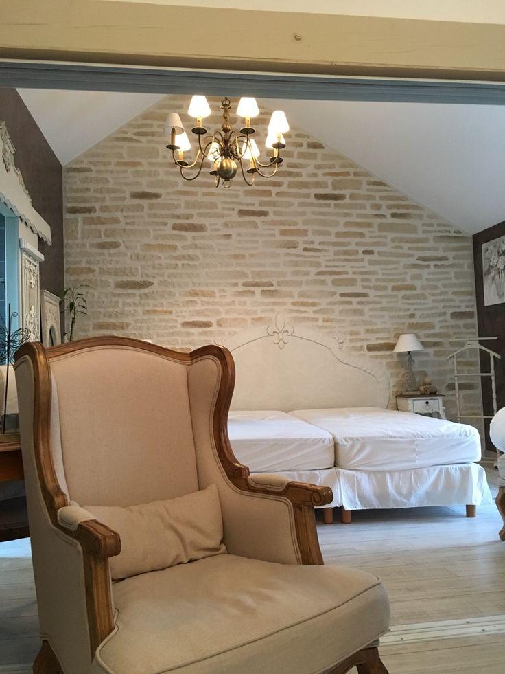 Les 25 meilleures id es concernant murs en pierre fausse - Renover mur en pierre interieur ...