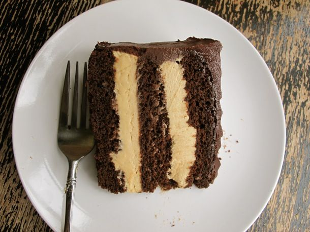 You know you want it: peanut butter chocolate cake #recipe #dessert