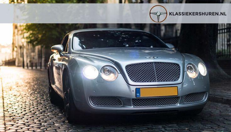 Wow, een Bentley?! YES, SIR! En vanaf vandaag bij ons te huur voor je bruiloft!   Voor de vrouwen onder ons: Prachtige lijnen, de herkenbare chromen grille, chique zilver metallic lak en overal leer; zelfs de hemel is ermee bekleed!   En voor de Bentley Boys onder ons: 6.0 W12, 552PK, 650NM, 0-100 IN 4.8 seconden, een top van 318km/u.  We verhuren deze unieke Continental GT uitsluitend voor bruiloften, fotoshoots en gala, inclusief bezorg- en ophaalservice. Je rijdt zèlf naar je fotolocatie…