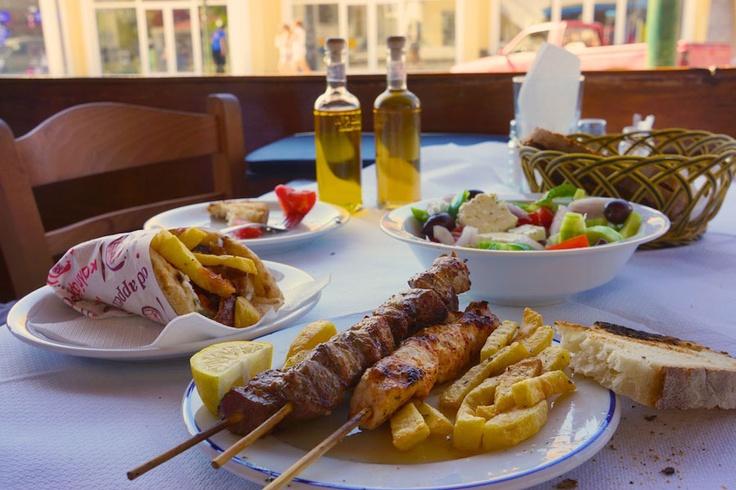 To Filaraki, Grill Restaurant Acharavi Corfu - Kerkyra's Restaurants Online Pentofanaro Restaurants Corfu