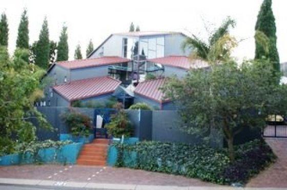 Faerie Glen: Ruim 2 Slaapkamer Tuinwoonstel Met Lieflike Uitsig In Sekuriteits Dorp. R5000/m | Pretoria East | Garden Flat | 67468814 | Junk Mail Classifieds
