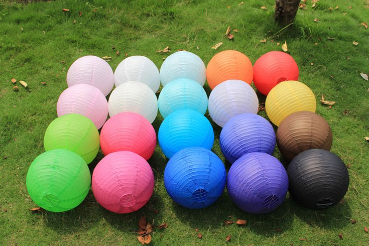 http://it.aliexpress.com/item/Free-shipping-10pcs-lot-12-30cm-Chinese-paper-lantern-paper-lamp-wedding-decoration-16-colors-for/1532550713.html?s=p