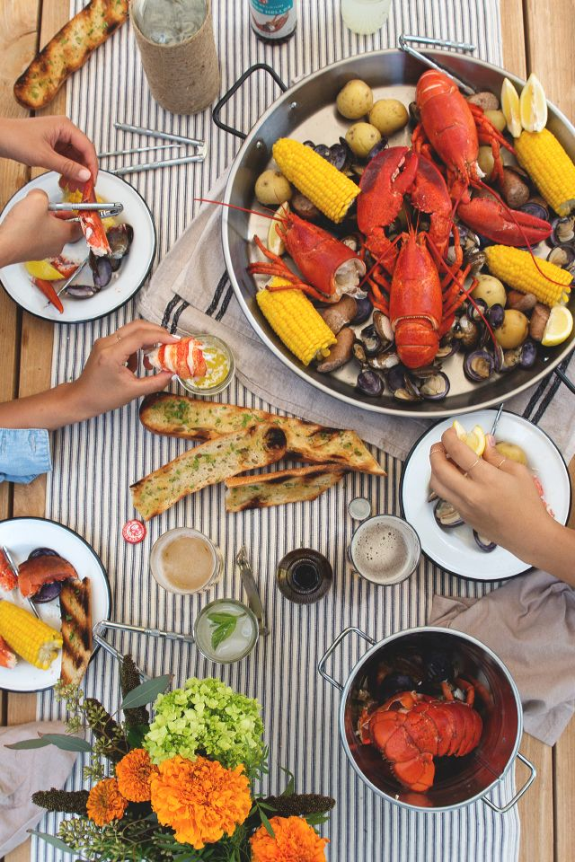 maine lobster boil, via honestly yum