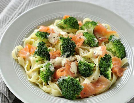 Pasta met zalm en broccoli - http://www.detafelvantine.be/bericht/pasta-tagliatelle-met-zalm-en-broccoli