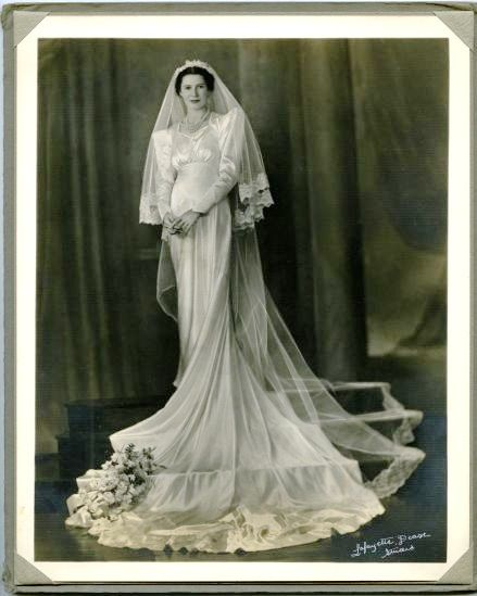 17 best images about 1930 39 s wedding gowns and dresses on for Vintage wedding dresses perth