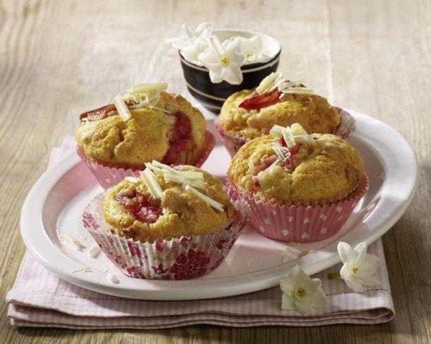 Unser beliebtes Rezept für Rhabarber-Muffins mit weißer Schokolade und mehr als 55.000 weitere kostenlose Rezepte auf LECKER.de.