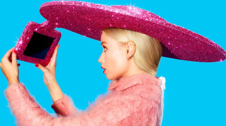 Acer's Selfie Hat Takes Wearables to Scary Place