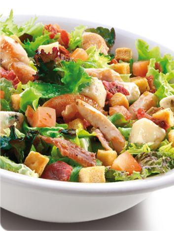 #Ensalada templada con pollo a la plancha, bacon crujiente y queso Gorgonzola ¡ensalada toscana! / degústala en el C.C. El Saler