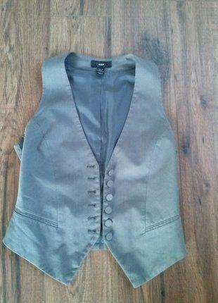 Kup mój przedmiot na #vintedpl http://www.vinted.pl/damska-odziez/marynarki-zakiety-blezery/18250558-kamizelka-hm-szara-taliowana