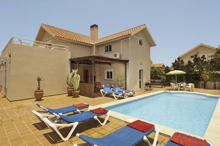 A great family villa with a private pool in Fuerteventura http://www.villaplus.com/fuerteventura/villas/corralejo/villa-michelle