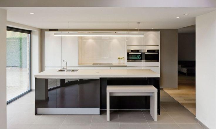 25 beste idee n over donkere kasten op pinterest rustieke keuken landelijk boerderij decor - Eigentijdse wastafelkast ...