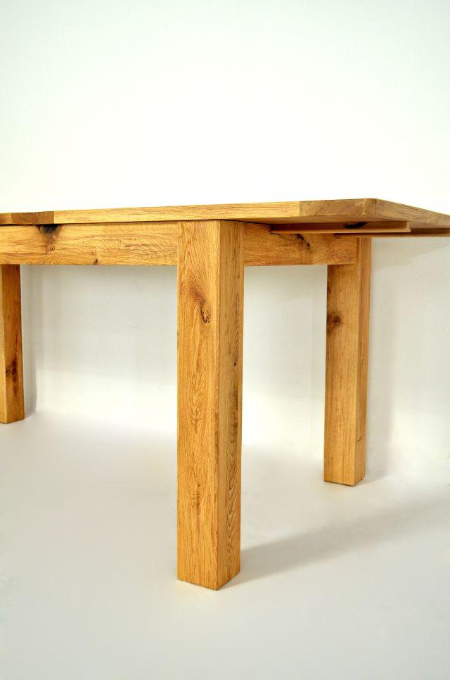 Masa din lemn masiv, un topmodel sub lumina reflectoarelor