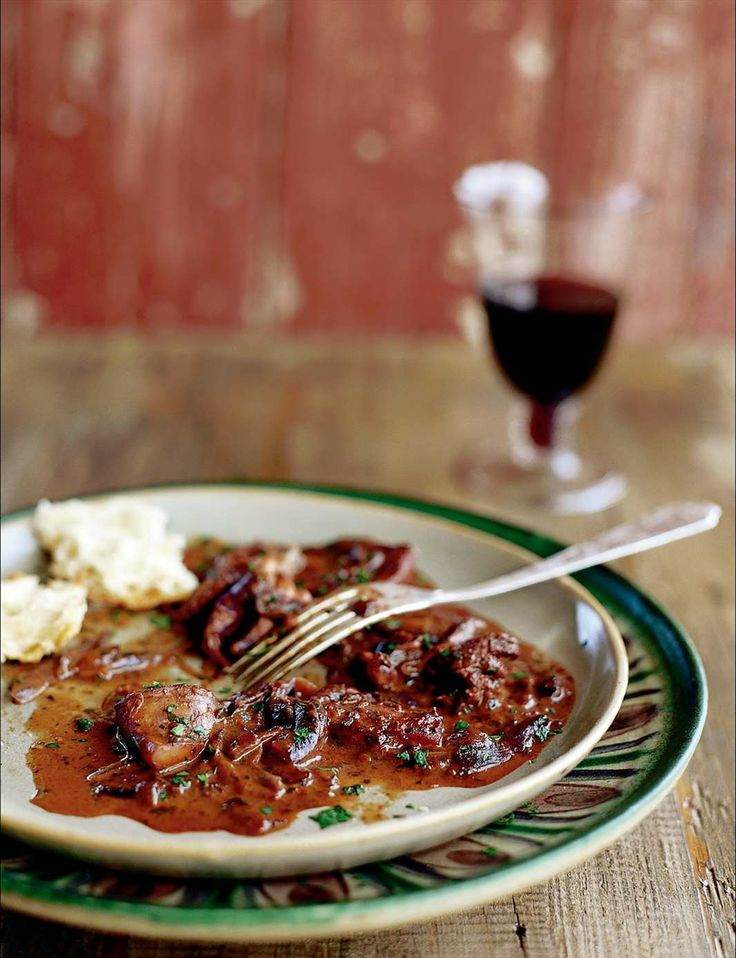 Cuttlefish braised with red wine, tomato and garlic by Pam Talimanidis | Cooked