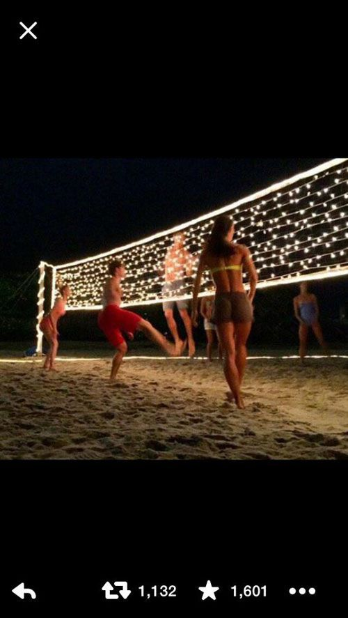 37 Awesome DIY Summer Projects – Volleyballnetz mit Weihnachtsbeleuchtung