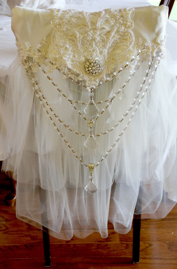 Antique wedding chair - Bridal Chair Cover Isnt This Beautiful