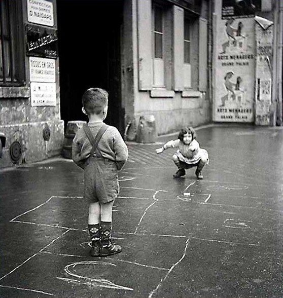 The hopscotch  - Paris, 1960  Gérald Bloncourt