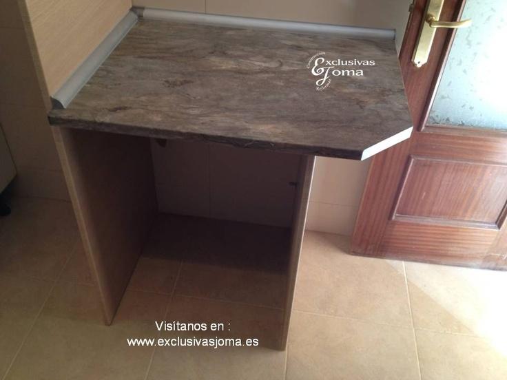 Muebles de cocina a medida  en madera  color  haya jaspeado, con encimera de formica  imitación a piedra-granito. Muebles altos especiales de 1400mm alto. Cocina realizada en Pozuelo de Alarcón. Visítenos en : www.exclusivasjoma.es