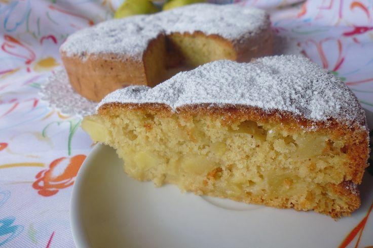 La torta di mele senza grassi è un dolce molto leggero, semplice e facile da preparare. Vediamo insieme la ricetta