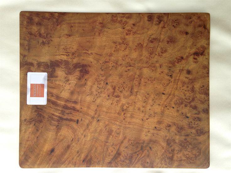 DREWNO KAMFOROWE:  37 cm x 31cm x 0,9cm