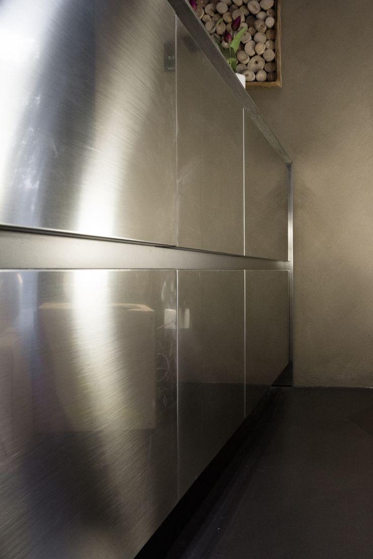 A detail of the new Maxima 2.2, exposed in the renovated shop window of our partner Cesar Store Genova - Progetti Arredamenti #design #kitchen #interiors #interiordesign