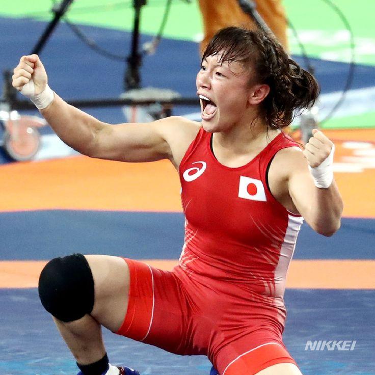 【#リオ五輪】女子 #レスリング 48㌔級で #登坂 選手が終了間際の逆転勝ちで金メダルを獲得しました。決まった瞬間のガッツポーズ!(玉)http://bit.ly/2aCjDN2  #rio2016 #オリンピック