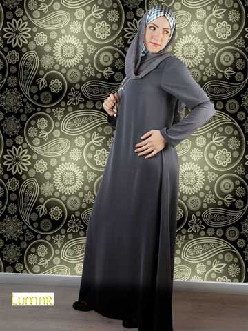 """Simple Abaya Simple pull over abaya, made of crepe, Just a simple solid color abaya no decorations, no cuts. This would be a typical abaya that comply with Muslim dress code. Shayla (scarf) made of chiffon size 65cm x 175 cm / 25.6"""" x 68.9"""" .(optional) Washing Instructions: Machine Wash Tailored and designed by """"Lumar"""""""