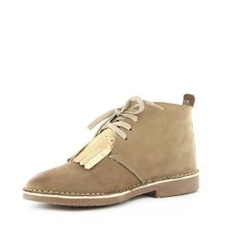 Brantano Veterschoenen Taupe | Ruim aanbod schoenen, diverse merken & de nieuwste modetrends. Koop of reserveer je schoenen online bij schoenenwinkel Brantano. Gratis levering, tevreden of geld terug!