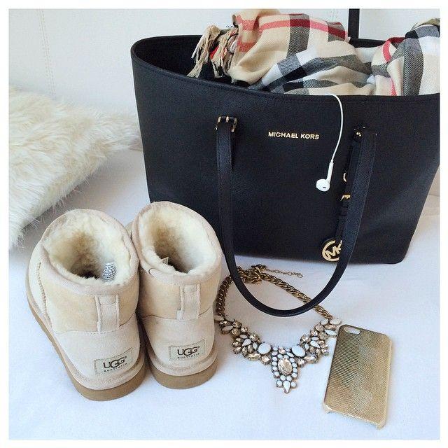 lealiiiiiiii's Instagram posts • Pinsta.me • Instagram Online Viewer Just so happens we have this bag in navy. Grand Opening Nov. 20!