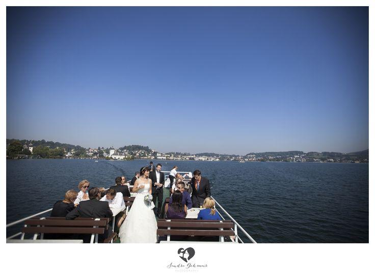 #outdoor #outdoorlocation #location #swan #schwan #schwaene #photography #fotografie #lake #traunsee #traunlake #reflection #schlossorth #seehotel #gmunden #linz #wels #steyr #groom #bride #braut #braeutigam #ship #schiff #gisela #karleder #gmundengisela #toasting
