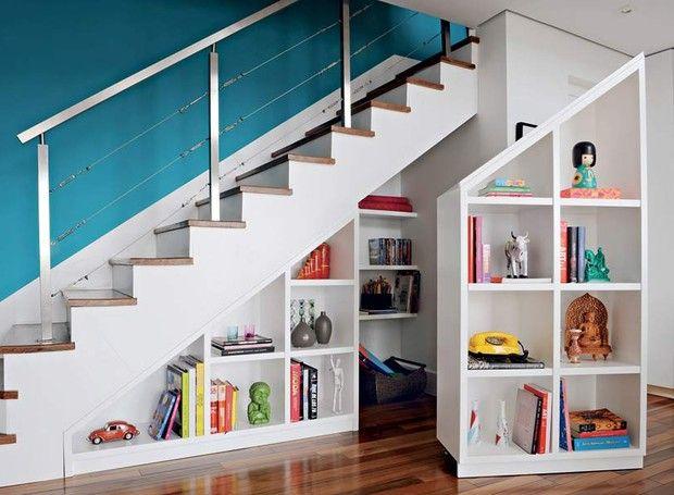 prateleiras-escada-nichos-modulos-rodizios (Foto: Victor Affaro/Editora Globo)