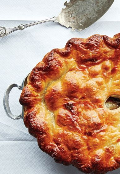 Beef bourguignon pie is ideal for dinner parties. It's gorgeous, but also easy to make, thanks to a puff pastry crust.