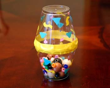 Noisemaker Craft - Pinned by @PediaStaff – Please visit http://ht.ly/63sNt for all (hundreds of) our pediatric therapy pins