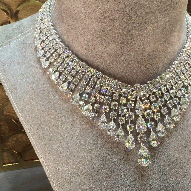 "Oh my god! This ""Riviere de diamants"" is so gorgeous! @graffdiamonds…"