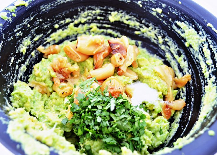 Roasted Garlic Guacamole | Food & recipes | Pinterest