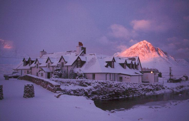 I'd love to see a white christmas in scotland, so beautiful!