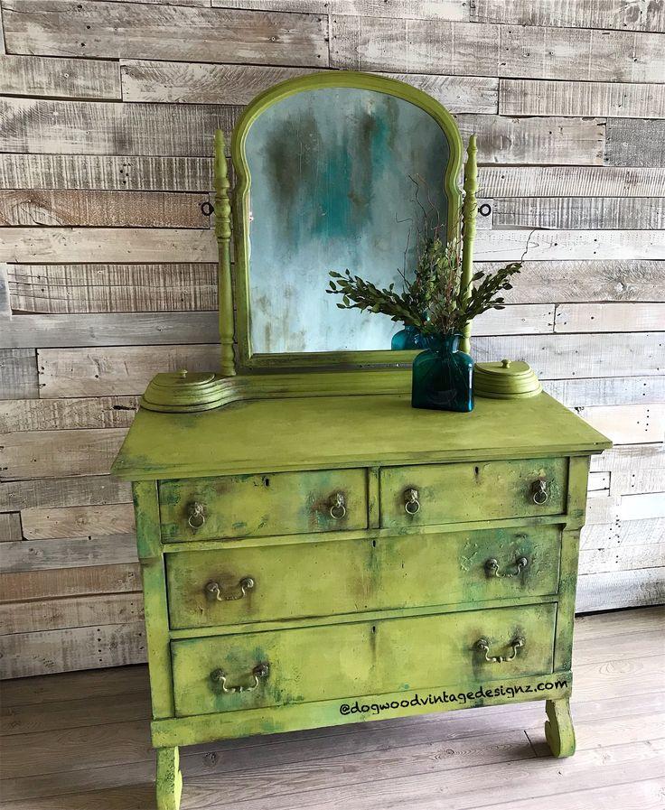 painted vintage vanity - 736×897