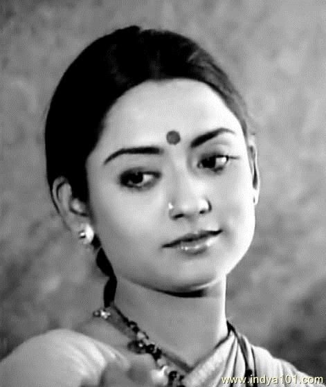 Young Talluri Rameshwari he grew up speaking Telugu. She attended and graduated from FTII in 1975. She became very popular and still remains popular for her two hit Hindi films: Dulhan Wahi Jo Piya Man Bhaye (1977) and Aasha (1980), the latter earned her a Filmfare Nomination as Best Supporting Actress.[1] She played the most loved character Seetalu, in the hit film Seetamalakshmi (1978) directed by K.Vishwanath for which she received the Nandi Award for Best actress.