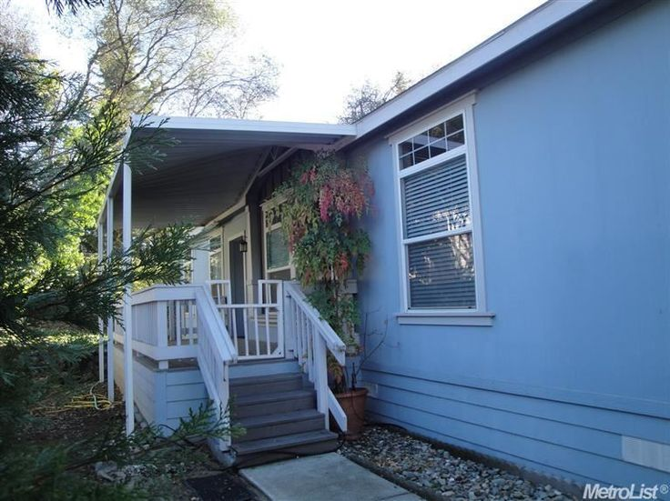 Backyard Nursery Placerville : Concrete siding, Large kitchens with islands and Jetted tub on