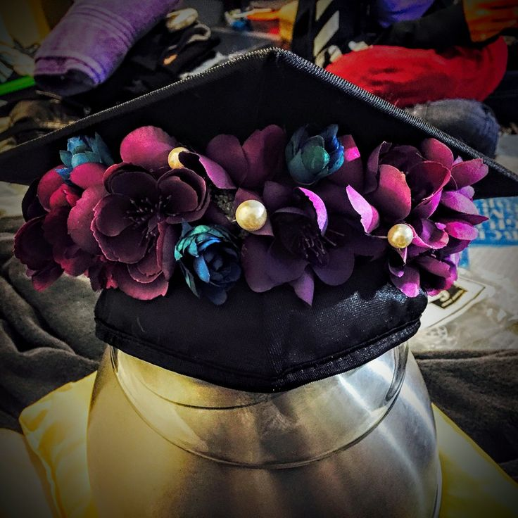 the flower crown my cousin helped me make for my UTSA graduation 2015